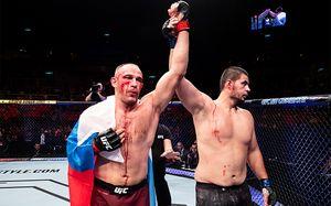 Алексей Олейник удушающим приемом победил Жуниора Альбини на UFC 224. Live