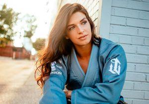 Одна из самых красивых девушек в UFC Маккензи Дерн стала мамой