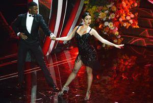 Невеста Роналду станцевала танго в откровенном платье. Криштиану наблюдал из зала