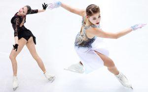 Эмоции Загитовой, Косторная вобразе ангела, падение Трусовой. Главные фото 2-го дня финала Гран-при