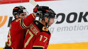 Ковальчук вернулся в КХЛ! Забил, подставил «Авангард» в овертайме, смазал решающий буллит и проиграл «Куньлуню»