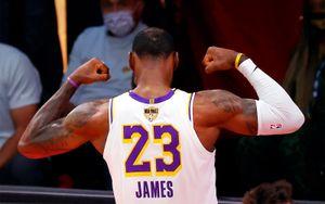 Леброн Джеймс вышел на 1-е место в истории НБА по числу проведенных матчей плей-офф