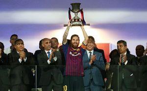 Теперь Месси — самый титулованный игрок «Барсы» в истории. Он обогнал Иньесту