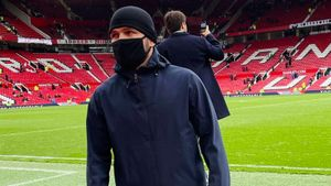 «Одет как русский бандит. Лол». Каким в Англии запомнили Хабиба