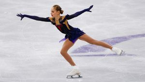 Ученица Плющенко думает о пятерных, Самоделкина вдохновилась Трусовой. Слова фигуристок на триумфальном Гран-при