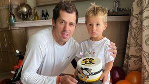Малкин поздравил сына с 4-летием, подарив мяч с автографом Джордана и торт с эмблемой «Питтсбурга»