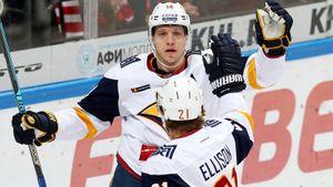 Бывший НХЛовец две недели мучился без голов, чтобы похоронить лидера Востока. Жара в уральском дерби