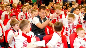 «Молодежь непомнит, кто этот дядя». Джикия, Максименко, Шюррле иКрал рассказали детям о«Спартаке»