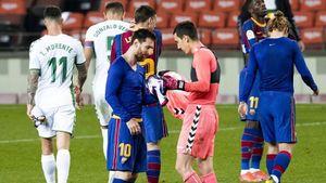 «Ты настолько велик, что даже Месси попросил у тебя футболку». Как Лео удивил вратаря «Эльче» Бадиа