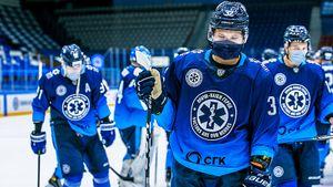 Правила КХЛ и Роспотребнадзора не работают. Никто не защитит хоккеистов от COVID-19 — в итоге переболеют почти все