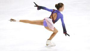 Ученица Тутберидзе Акатьева чисто исполнила каскад из тройного акселя и тройного тулупа на этапе Кубка России