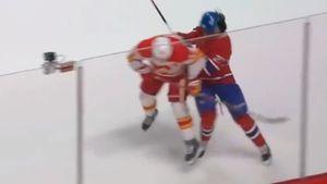 Жесткий удар с локтя в голову. Русский хоккеист Романов дважды стал жертвой в НХЛ: лишился шлема и заработал штраф
