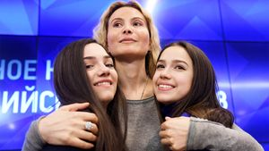 «Бесславное окончание карьеры». Фанаты хейтят Загитову и Медведеву за участие в шоу