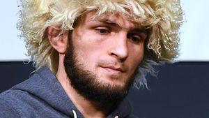 Хабиб, Холлоуэй, Кормье. Кто избойцов UFC встретит 2020 год cчемпионским поясом?