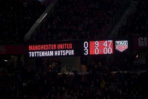 «МЮ» дома влетел «Тоттенхэму» 0:3. Кажется, это был последний матч Моуринью в «Юнайтед»