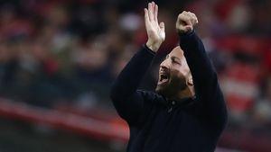 Тренер «Сочи» Бородин — о конфликте с Тедеско: «Он показывал нам жесты с денежными знаками»