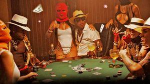 Чем Роналдиньо занимается после тюрьмы. Легендарный бразилец основал хип-хоп-группу — она уже выпустила первый хит