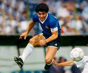 Ровно 25 лет назад Марадона забил свой последний гол заАргентину. Видео