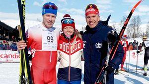 Суперзведный русский лыжник завершил сезон подиумом и сфотографировался с норвежской легендой