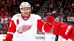 Эффектный гол русского хоккеиста Дацюка. 9 лет назад он в одиночку разобрался с обороной и вратарем «Сент-Луиса»