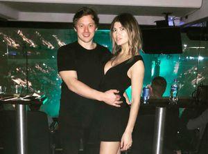 Жена Тарасенко: «Муж минут 10 смотрел финал МЧМ Россия— Канада, пока неувидел себя нальду»