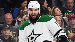 Четыре экс-хоккеиста НХЛ перешли в чешский клуб 4-го дивизиона. Они провели 2851 матч в НХЛ