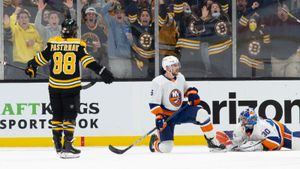 Сорокин не смог остановить колючий «Бостон». Русский вратарь не справился с Пастрняком, который оформил хет-трик