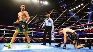 Лучший боксер планеты впервые объединил чемпионские пояса. Украина жжет в 2018-м