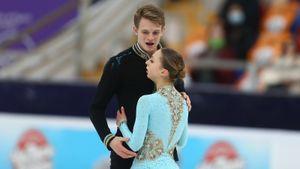 Чемпионы Европы Бойкова/Козловский снова проиграли Мишиной и Галлямову. С этого сезона они тренируются вместе