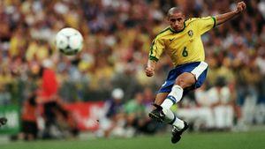 Легендарный гол Роберто Карлоса со штрафного. Он не знает, как сделал это, но физики объяснили