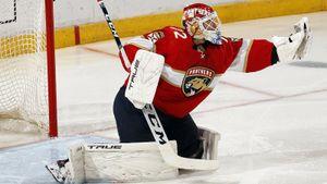«Он был невероятен!» Самый дорогой русский вратарь зажигает на старте сезона НХЛ