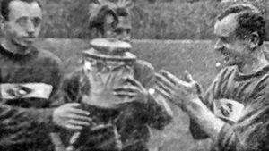 Скандал после победы «Спартака» в Кубке СССР: отмечали в ресторане, не хватило денег — в залог оставили сам трофей