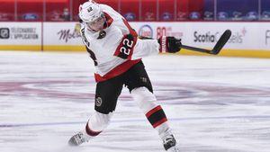 Эффектный гол русского защитника в НХЛ. Зайцев вколотил шайбу в ворота «Торонто», заставив звенеть штангу!