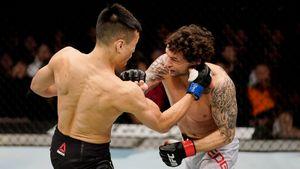 79 ударов за 3 минуты. Корейский зомби забил экс-чемпиона UFC в последнем турнире 2019-го