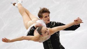 Русские тинейджеры Бойкова и Козловский внезапно выиграли Skate Canada. Они порвали чемпионов России