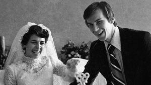 Самые яркие свадьбы фигуристов: выпавшая из окна бабушка, перекрытые улицы, забытый паспорт и букет Сотниковой
