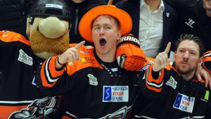 «В Англии все знают русских звезд, в магазинах продаются майки Овечкина». Лемтюгов — о хоккее в Великобритании