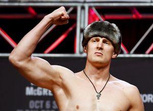 Тренер Волкова подтвердил, что россиянин проведет бой с Харрисом на одном турнире с Хабибом
