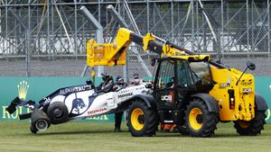 Квят назвал причину своей аварии на Гран-при Великобритании