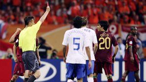 Русский судья спровоцировал скандал на матче Португалия— Нидерланды. Зачем Иванов показал 16 карточек