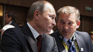 Путин оценил пиджак ссекретом отТретьяка: «Такие уловки мне хорошо знакомы попрежней работе»