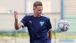 Тарасов приостановил футбольную карьеру