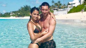 Месси заснял свой поцелуй с женой для романтического клипа с участием 113 пар. Видео уже собрало 3 млн просмотров