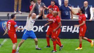 Онопко спровоцировал потасовку в матче Кубка Легенд с Турцией: видео