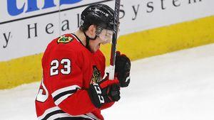 Русский швейцарец — открытие сезона НХЛ. Курашев играет с американской звездой Кейном и забивает за «Чикаго»