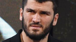 Российского боксера Бетербиева оштрафовали в Канаде за нарушение карантина