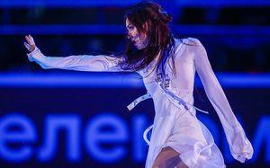Медведева, снявшаяся счемпионата России, выступила под песню Билли Айлиш. Видео