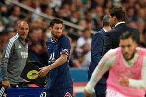 Месси отказался пожать руку Почеттино после замены в матче с «Лионом»: видео