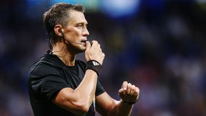 Судью скандального матча «Спартак» — «Сочи» могут отстранить до конца года. Арбитров проверят на полиграфе