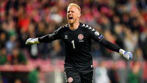 Похоже, у России уже есть один соперник по Евро. Шмейхель в одиночку вытащил для Дании победу